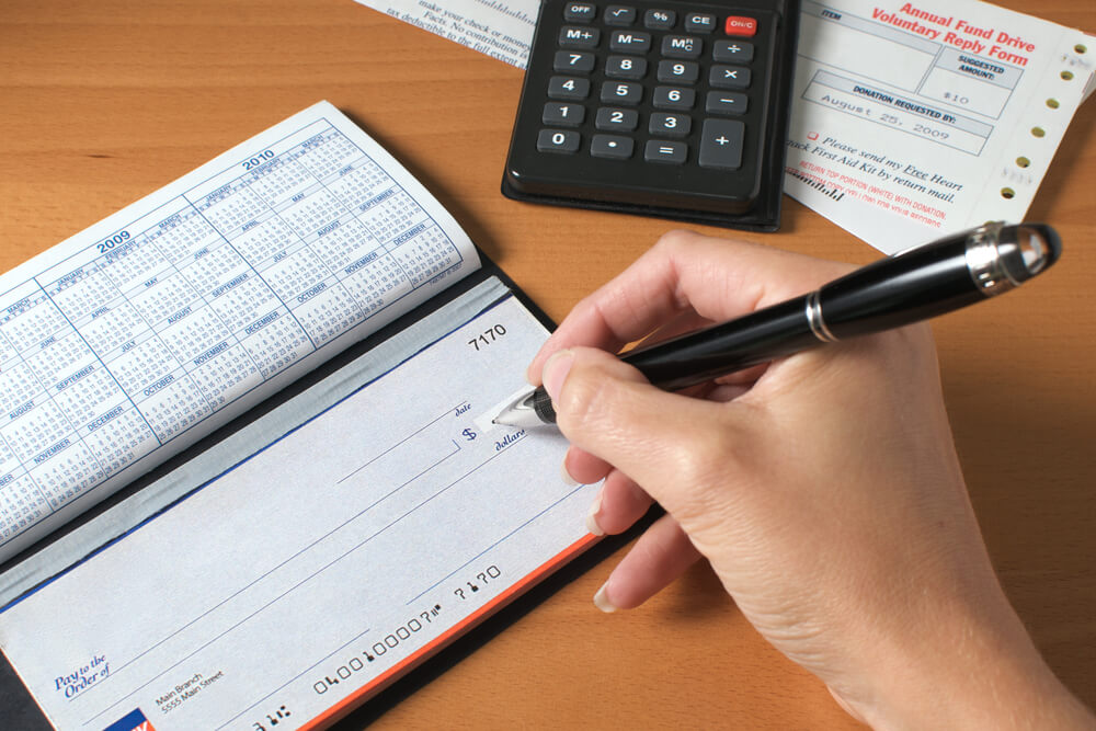How Long Is a Personal Check Good for and Will It Expire