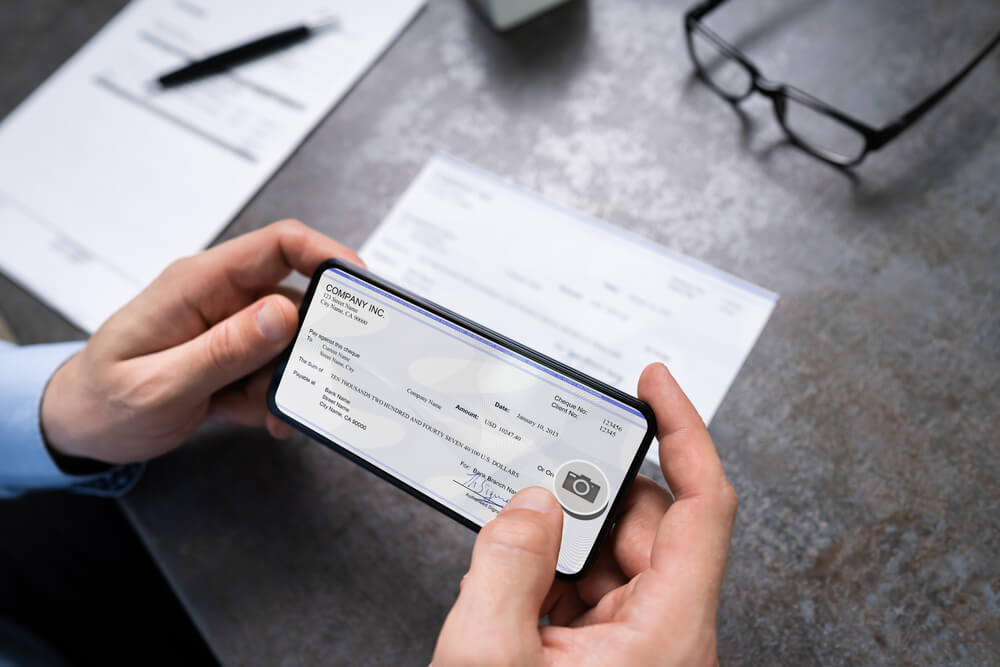 What Is a Mobile Check Deposit